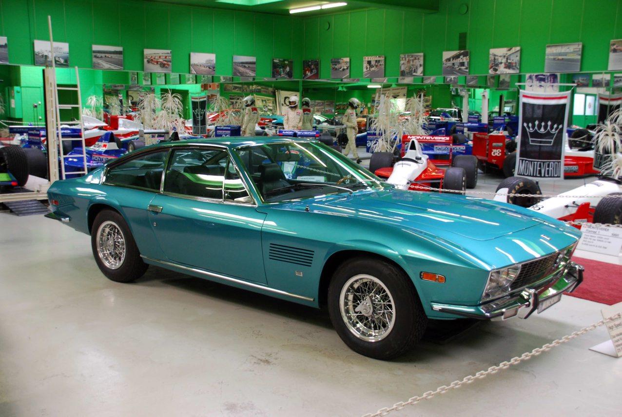 ... Chrysler V8. Pro